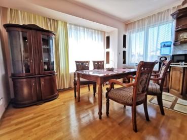 Тристаен апартамент в идеалния център на Варна